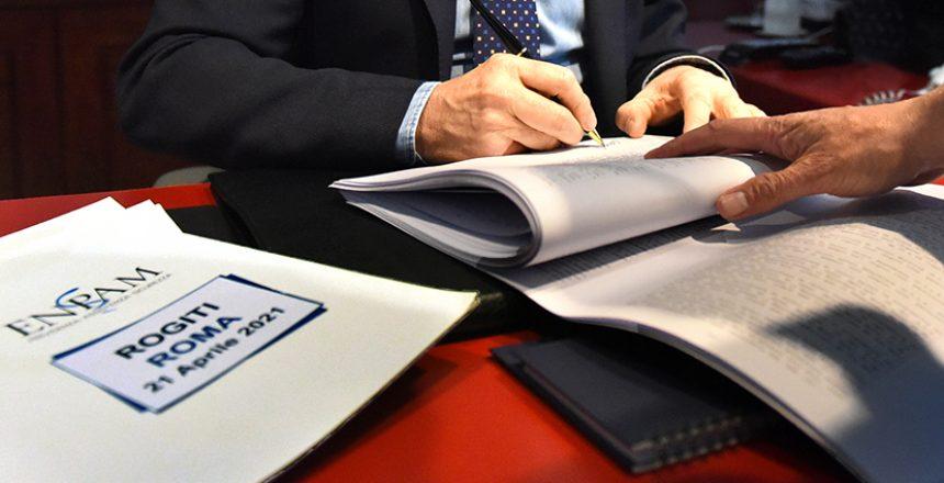 Alberto Oliveti Presidente Enpam firma ultimi rogiti dismissioni Roma 21 Aprile 2021